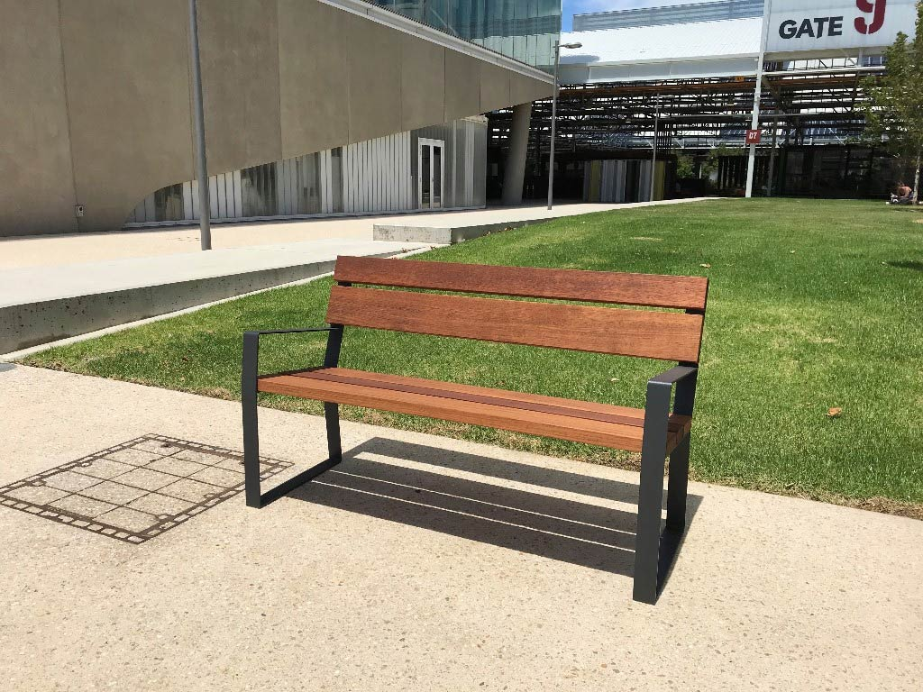 Easy Seat With Armrests