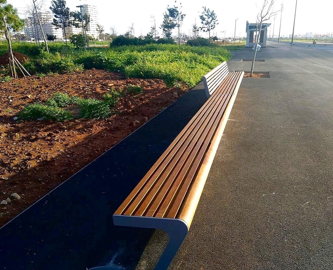 Woody Seat and Bench combined